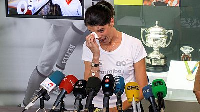 La saltadora cántabra Ruth Beitia ha anunciado su retirada del atletismo profesional a sus 38 años, tras seis meses de lesiones.