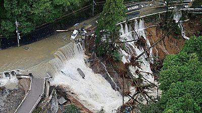 El tifón Lan deja varios muertos al tocar tierra en Japón