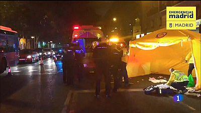 Un coche sin conductor atropella a dos personas en Madrid, hiriendo a una de gravedad