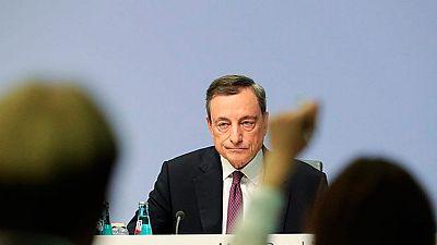 En Frankfurt, el Banco Central Europeo ha decidido que a partir de enero se va a  reducir a la mitad, es decir, de 60.000 a 30.000 millones de euros mensuales