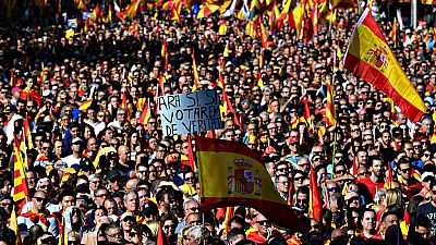 Una multitud sale a la calle en Barcelona para defender la convivencia en Cataluña y la unidad de España