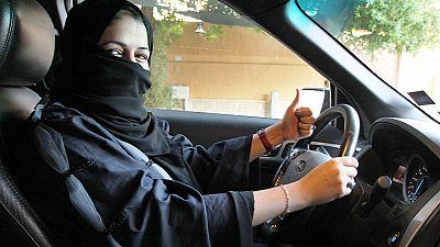 Arabia Saudí anuncia que a partir de 2018 permitirá a las mujeres asistir a tres estadios deportivos