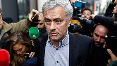 El exentrenador del Real Madrid Jose Mourinho ha declarado en Pozuelo, acusado de haber defraudado 3,3 millones de euros en su etapa en la capital de España.