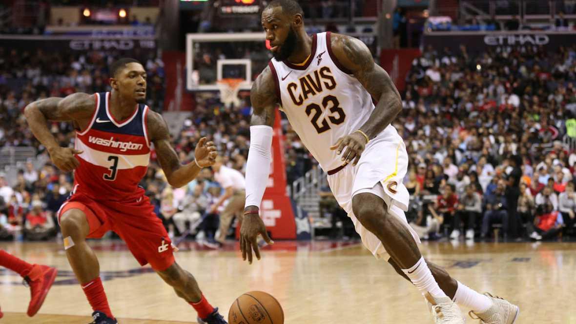 La estrella de los Cavaliers, LeBron James, destrozó a los Wizards con 57 puntos, su segunda mejor marca como profesional.
