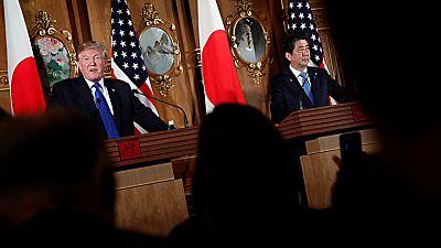 Trump hace frente con Abe contra Corea del Norte durante su visita a japón