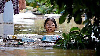 El tifón Damrey deja más de 60 muertos y numerosas localidades anegadas en Vietnam