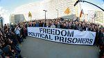 """Doscientos alcaldes independentistas protestan en Bruselas por la """"persecución"""" al Govern cesado"""