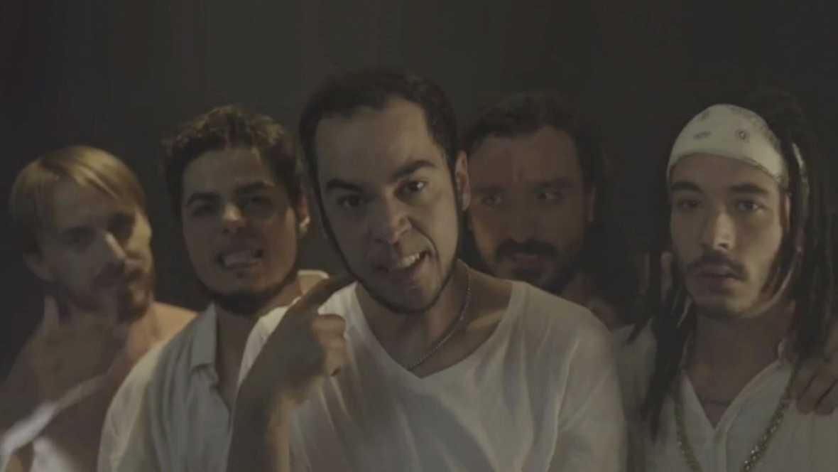 """Mambo - El videoclip de la boyband, """"nasíos"""" para triunfar"""