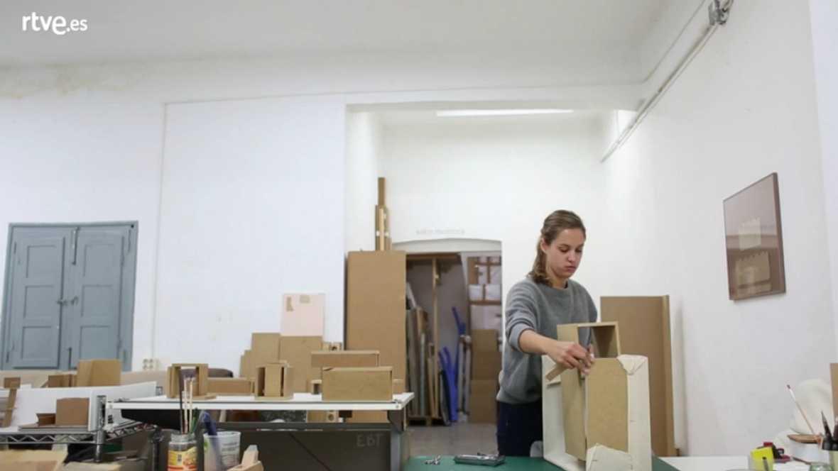 Desatados - 10 Ana De Fontecha, Artista Plástica - Escuchar ahora