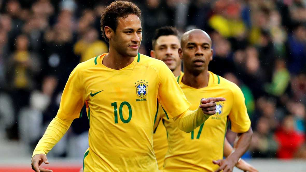 La selección brasileña se impuso en Lille (Francia) a Japón por 3-1, en el primer partido de la historia de la pentamcapeona del mundo con el VAR.