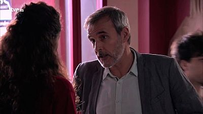 Servir y proteger - Elías avisa a Paty sobre su relación con Jairo