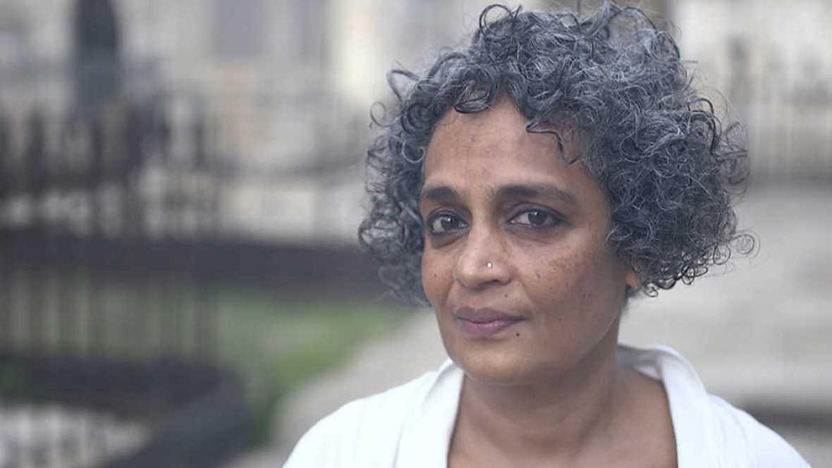 Página Dos - Arundhati Roy - ver ahora
