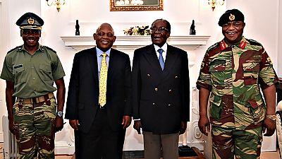 Mugabe se niega a dimitir tras reunirse con los militares sublevados en Zimbabue