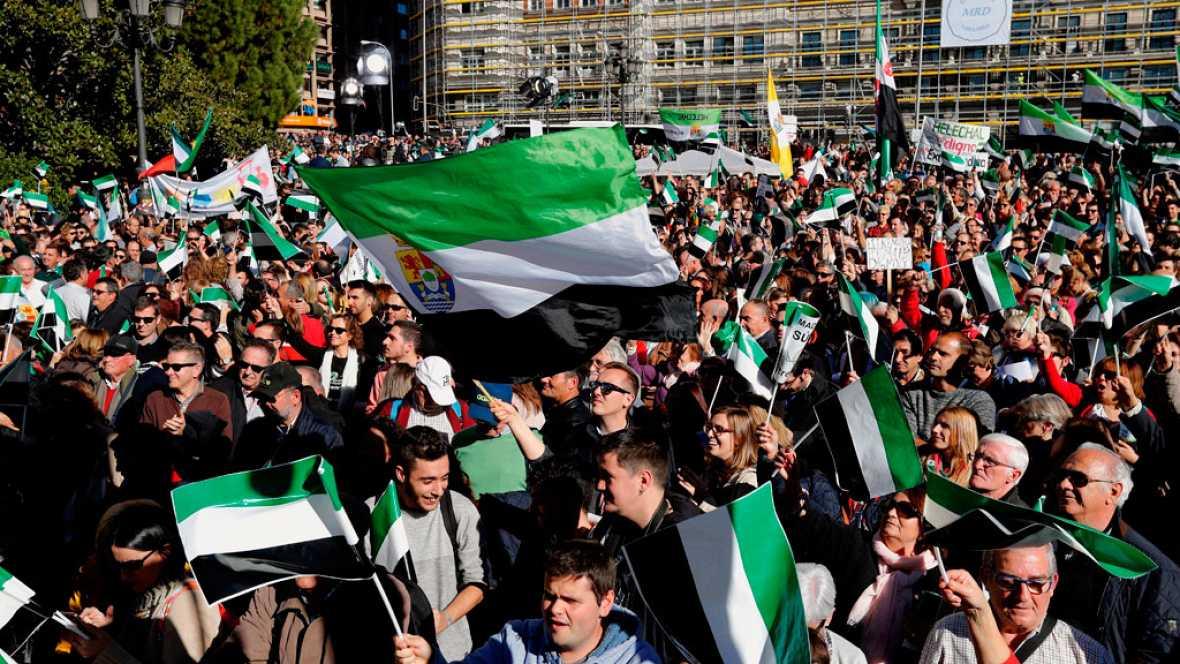 Miles de personas reclaman un tren digno para Extremadura