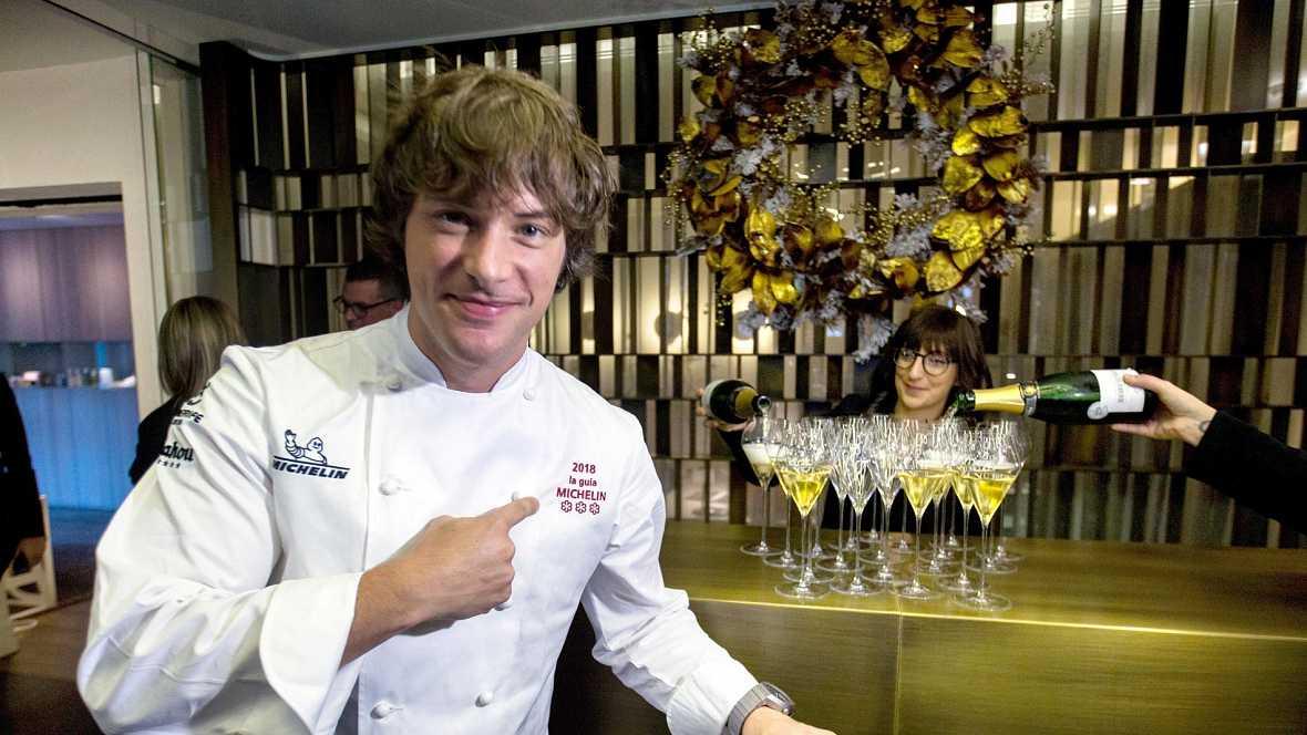 Aponiente, de Ángel León en El Puerto de Santa María (Cádiz), y ABaC de Jordi Cruz en Barcelona, han logrado la tercera estrella Michelin, con lo que son once los restaurantes españoles que ostentan la máxima distinción en la Guía de España y Portuga