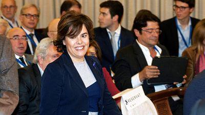 """Sáenz de Santamaría asegura que aún se puede """"revertir"""" el proceso de """"deterioro"""" de la economía catalana"""