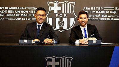 """Josep Maria Bartomeu, presidente del Barcelona, ha admitido que la renovación del contrato de Leo Messi se ha demorado ya que se ha redactado """"un contrato nuevo"""" para """"adecuar la cláusula (de 300 a 700 millones) a la situación actual"""" del fútbol."""