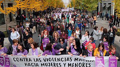 Medio centenar de ciudades españolas marchan contra la violencia de género