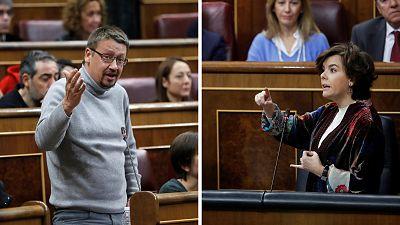 """Saenz de Santamaría acusa a Domènech de hacer campaña por el independentismo y él critica que el Ejecutivo no haga """"política"""" en Cataluña"""