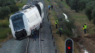 El tercer vagón del tren descarrilado en Sevilla circuló 200 metros fuera de los raíles