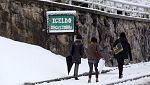 La nieve se intensifica, complica el tráfico y afecta a centros educativos