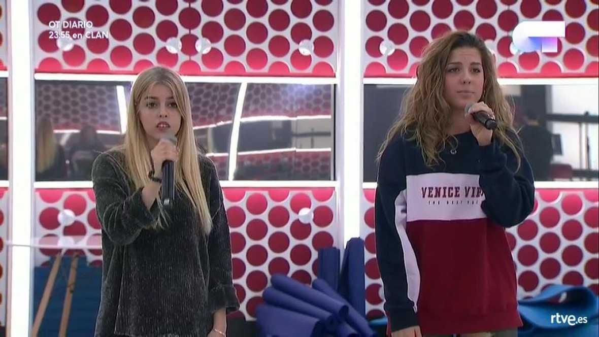 Operación Triunfo - Nerea y Miriam cantan 'Cómo hablar' en el primer pase de micros