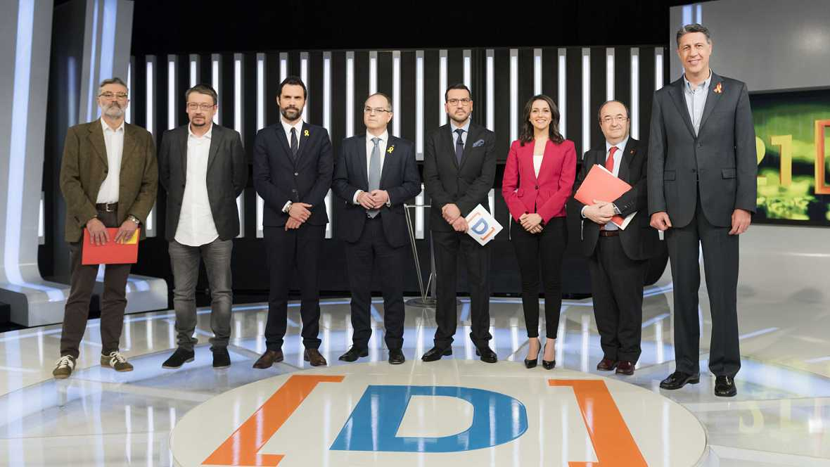 Turull (JutsxCat), Arrimadas (Cs), Iceta (PSC), Albiol (PPC), Domènech (CatComú-Podem), Torrent (ERC-CatSí) y Riera (CUP) aprovechan el minuto final para pedir el voto en el primer debate de las elecciones catalanas en TVE.