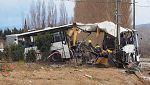 Mueren seis menores al chocar un autobús y un tren en Francia