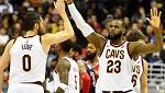 LeBron James supera a Larry Bird en 'triples dobles'