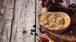 Comida al descubierto: Piñones, Red Leicester y cerezas