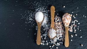 Comida al descubierto: Pan de gambas, sal y especias