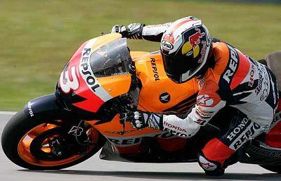 Algunos pilotos de MotoGP, como Pedrosa, Lorenzo o Gibernau estrenan número en la temporada que comienza.