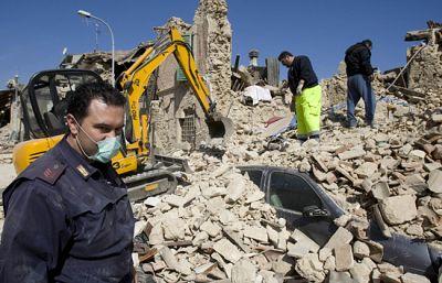Italia se movilizó para envíar ayuda a la zona del terremoto en L'Aquila que la madrugda del pasado 6 de abril de 2009 sacudió el pais
