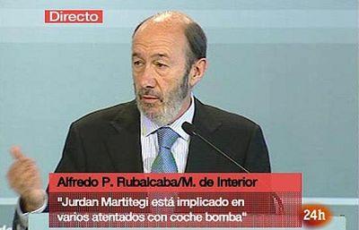 El ministro de Interior, Alfredo Pérez Rubalcaba, ha asegurado que el jefe mmilitar de ETA, detenido este sábado en Francia, está implicado en el atentado que mató a Juan Manuel Piñuel.
