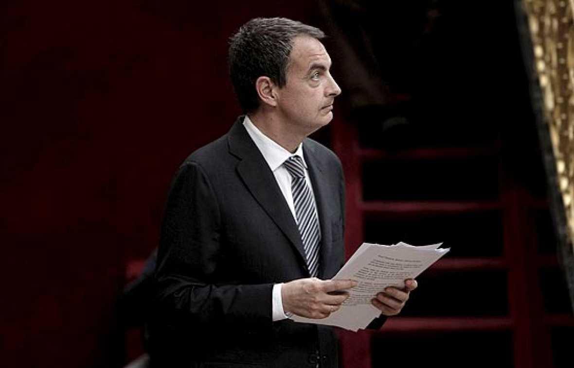 El presidente del Gobierno, José Luis Rodríguez Zapatero, ha comparecido en el Congreso para dar cuenta de la remodelación de su Gobierno y ha dicho que el G-20 exigía un cambio de ritmo contra la crisis y que también era necesario un nuevo esfuerzo