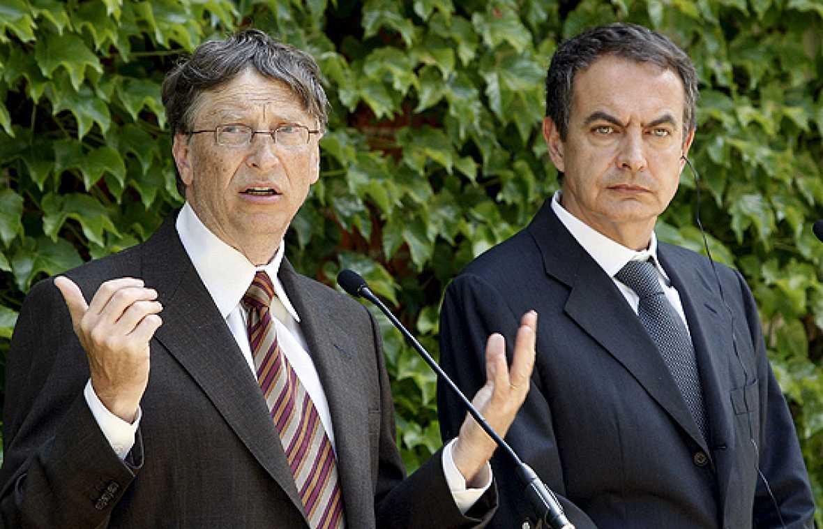 El presidente del Gobierno, José Luis Rodríguez Zapatero, y el fundador de Microsoft, Bill Gates, se han reunido en La Moncloa para analizar los proyectos solidarios que desarrollan conjuntamente y han avanzado que intensificarán su colaboración en