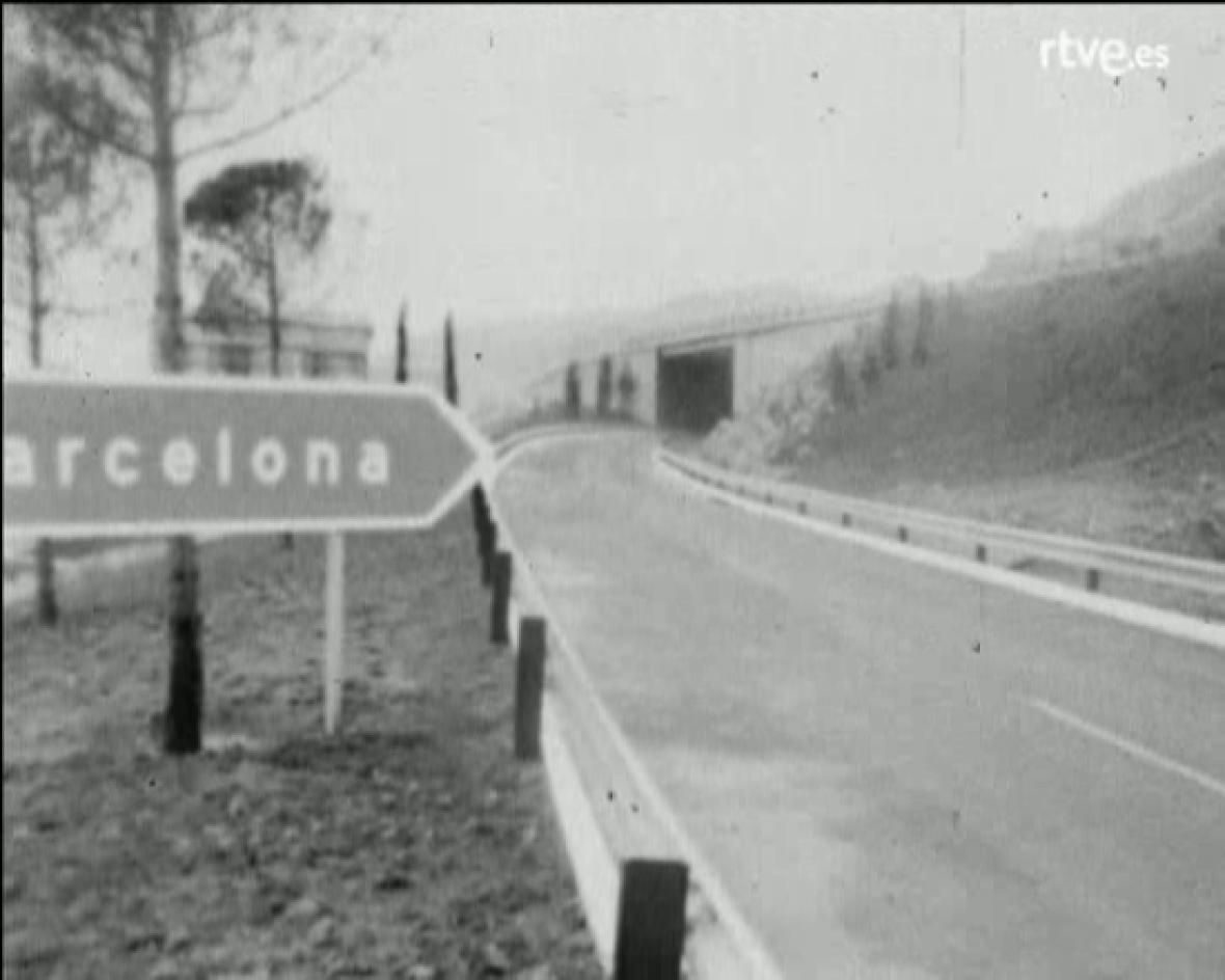 Arxiu TVE Catalunya - Primera autopista de peatge a Espanya