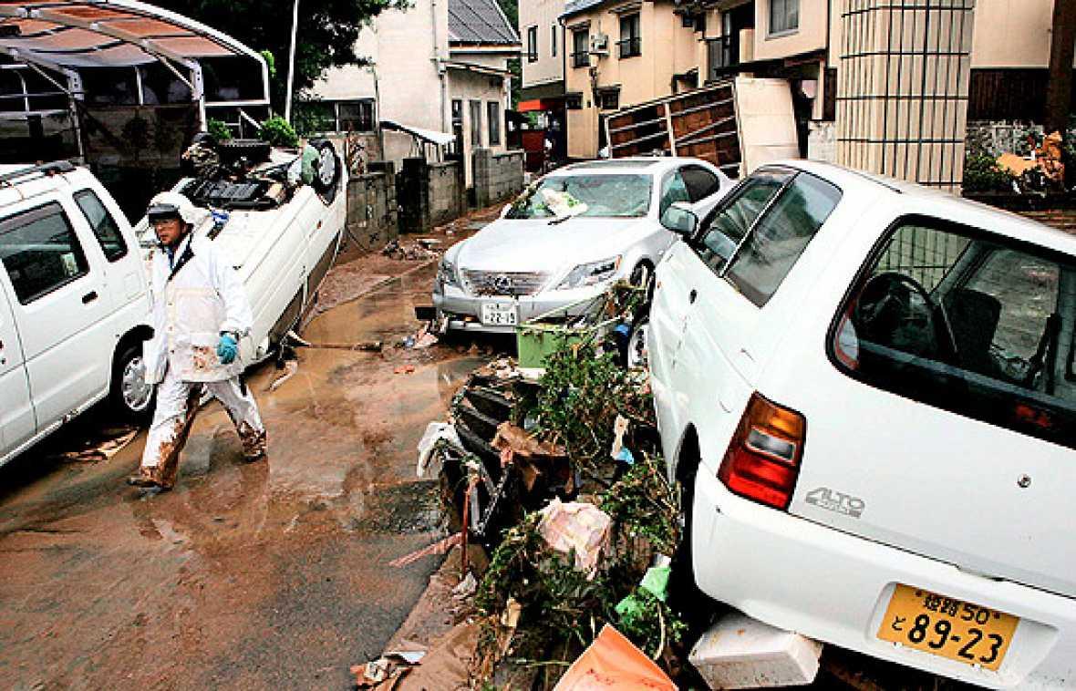 """Japón ha sido el último país en sufrir los destrozos que ha dejado la tormenta tropical """"Etau""""."""