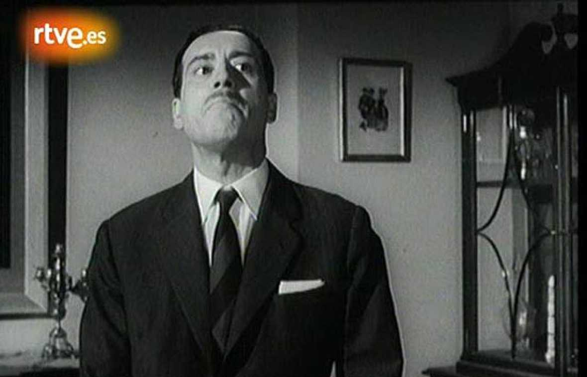 Uno de los papeles más recordados de José Luis López Vázquez es el de padrino en 'La gran familia' (1962), de Fernando Palacios.