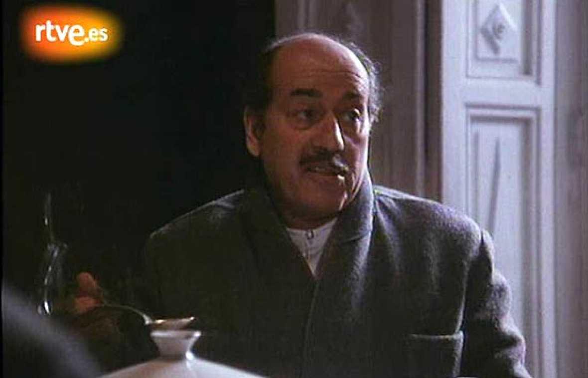 Mario Camus llevó al cine en 1982 la novela de Cela, 'La colmena', en la que José Luis López Vázquez interpreta a Leonardo Meléndez.