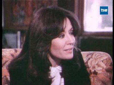 Calvo-Sotelo recibe en su casa a la periodista Rosa María Mateo