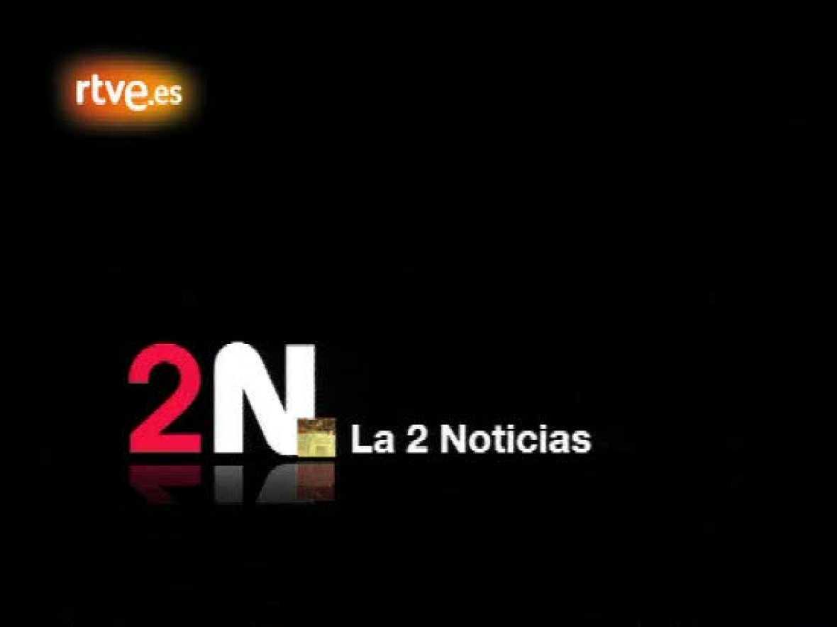 Así homenajeó La 2 Noticias a Rafa Nadal cuando ganó por primera vez en Winbledon: Raquel González presentó los Deportes sobre un trozo de césped.