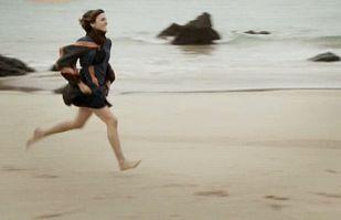 La Señora - Planes de huida en la playa