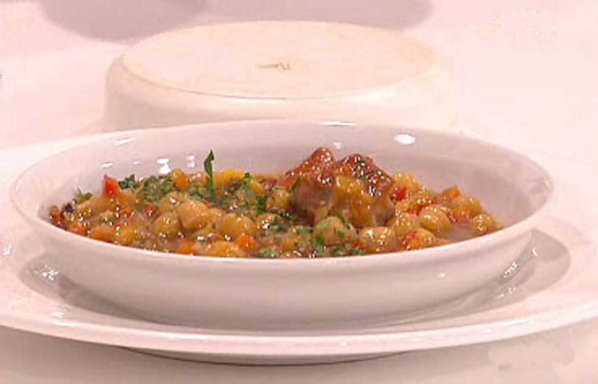 Saber cocinar garbanzos con costillas la ma ana rtve - Garbanzos con costillas ...