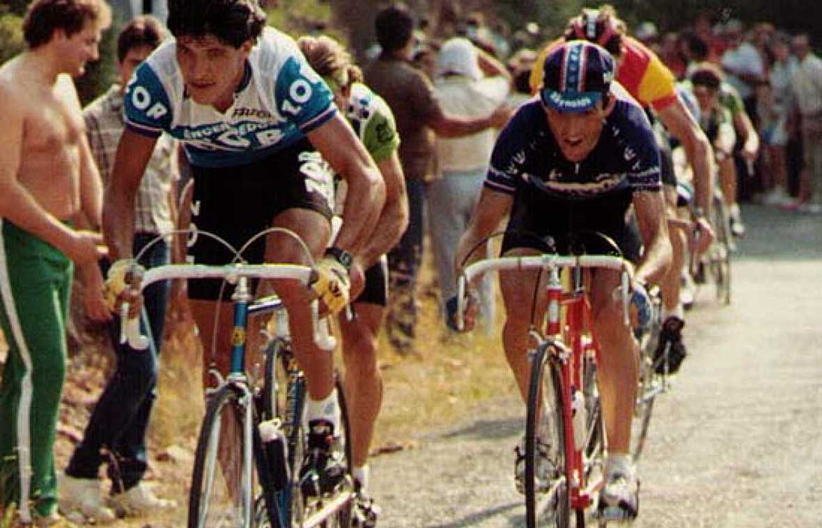 Con la llegada del color a la televisión las retrasmisiones de la Vuelta nadie se las podía perder. Eran los años buenos de Perico, de Chozas, Rominger, etc.