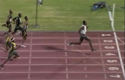 El atleta jamaicano Usain Bolt ha logrado la segunda mejor marca de todos los tiempos en los 100 metros.