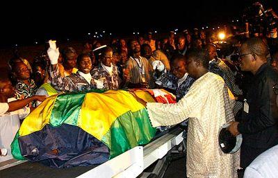 Los jugadores de la selección de Togo ya están de vuelta en su país para enterrar a los dos fallecidos en el ataque terrorista sufrido en Angola.