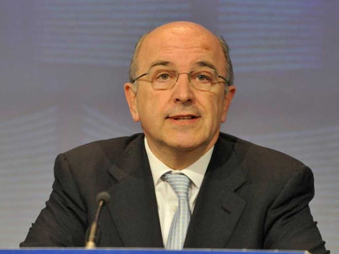 """Joaquín Almunia, Comisario Europeo de Competencia, ha dicho en """"Los desayunos"""" que espera que el crecimiento económico vuelva a Europa en 2010."""