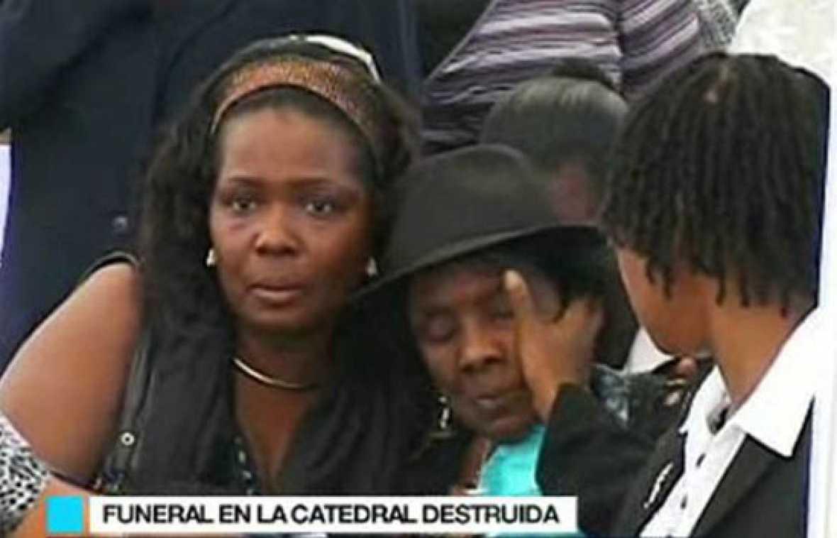 Funeral por el arzobispo de Puerto Príncipe