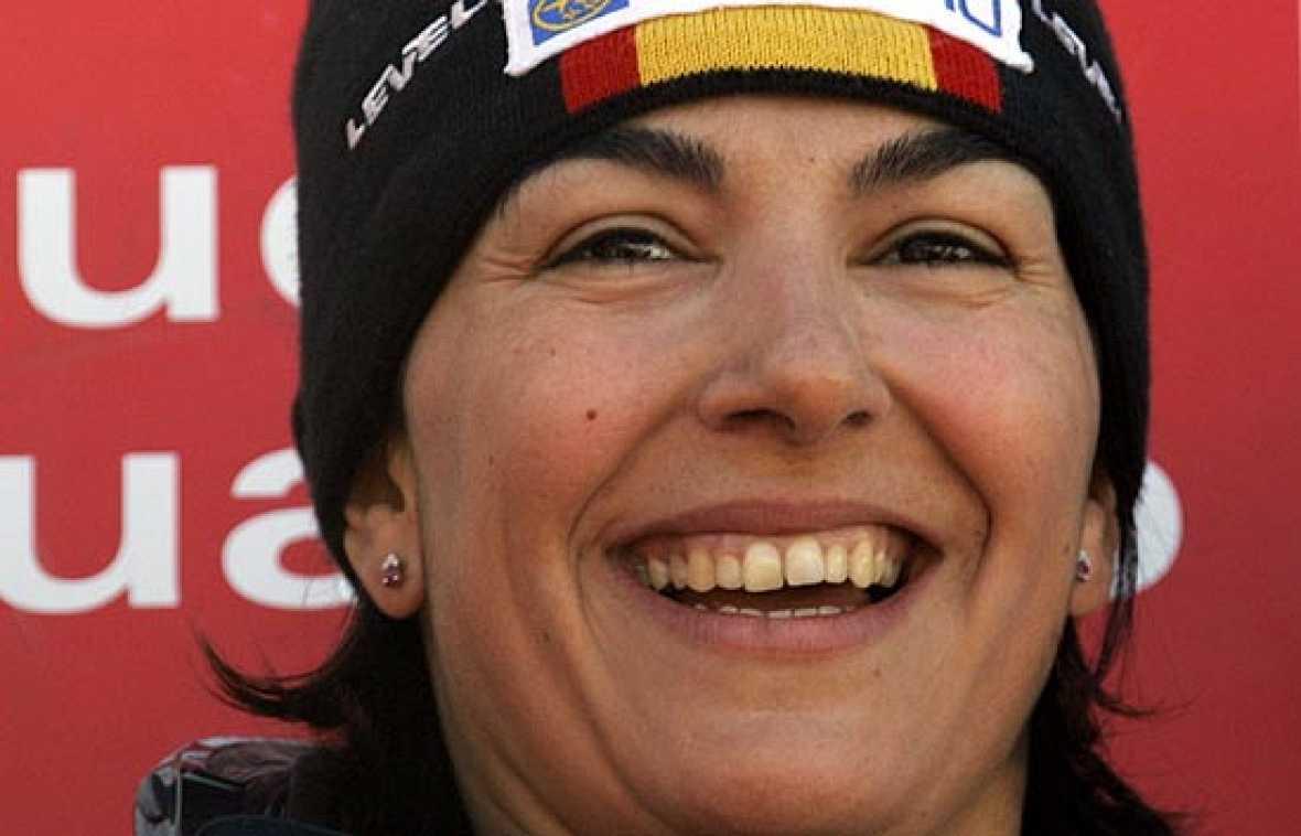 """La esquiadora española María José Rienda señaló que su mentalidad para Vancouver es de pensar en la medalla, porque a unos Juegos Olímpicos """"siempre hay que ir con esa idea"""", un día antes de conocer oficialmente si acudirá a la cita, después de que"""